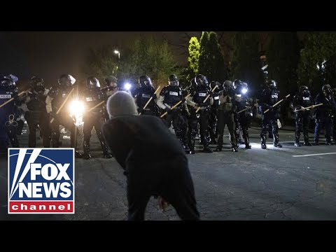 Entire Portland riot squad resigns after officer's indictment