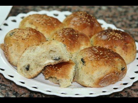 petits-pains-aux-olives-noires