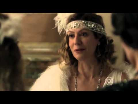 Belas e Perseguidas - Trailer Oficial 1 (leg) [HD] from YouTube · Duration:  2 minutes 25 seconds