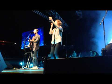 Hillsong United-  Oceans (Live at Singapore Indoor Stadium 15/06/2014)