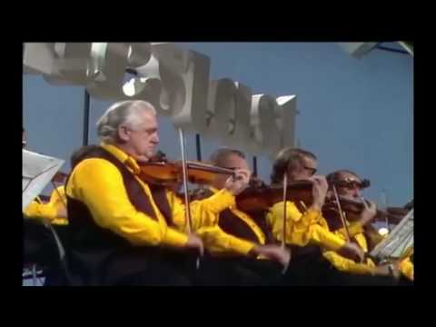James Last orchestra versus Harry James orchestra: