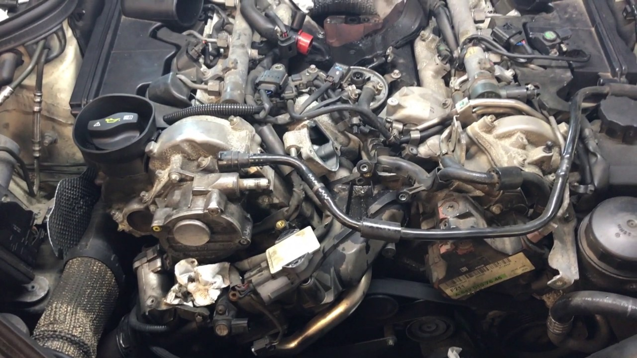 2009 Mercedes E320 Bluetec Intake Manifolds And Oil Cooler Part 1 Youtube