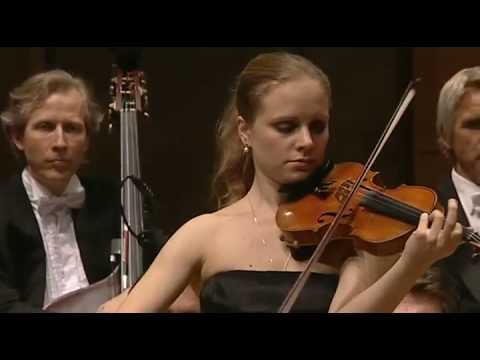 "Julia Fischer performs Ysaÿe's ""Obsession"" in Paris"