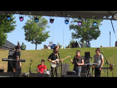 "Knox Hamilton - ""Work It Out"" Live at Riverfest 2014"