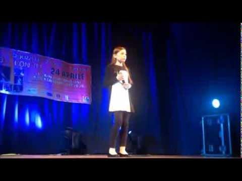Camilla canta