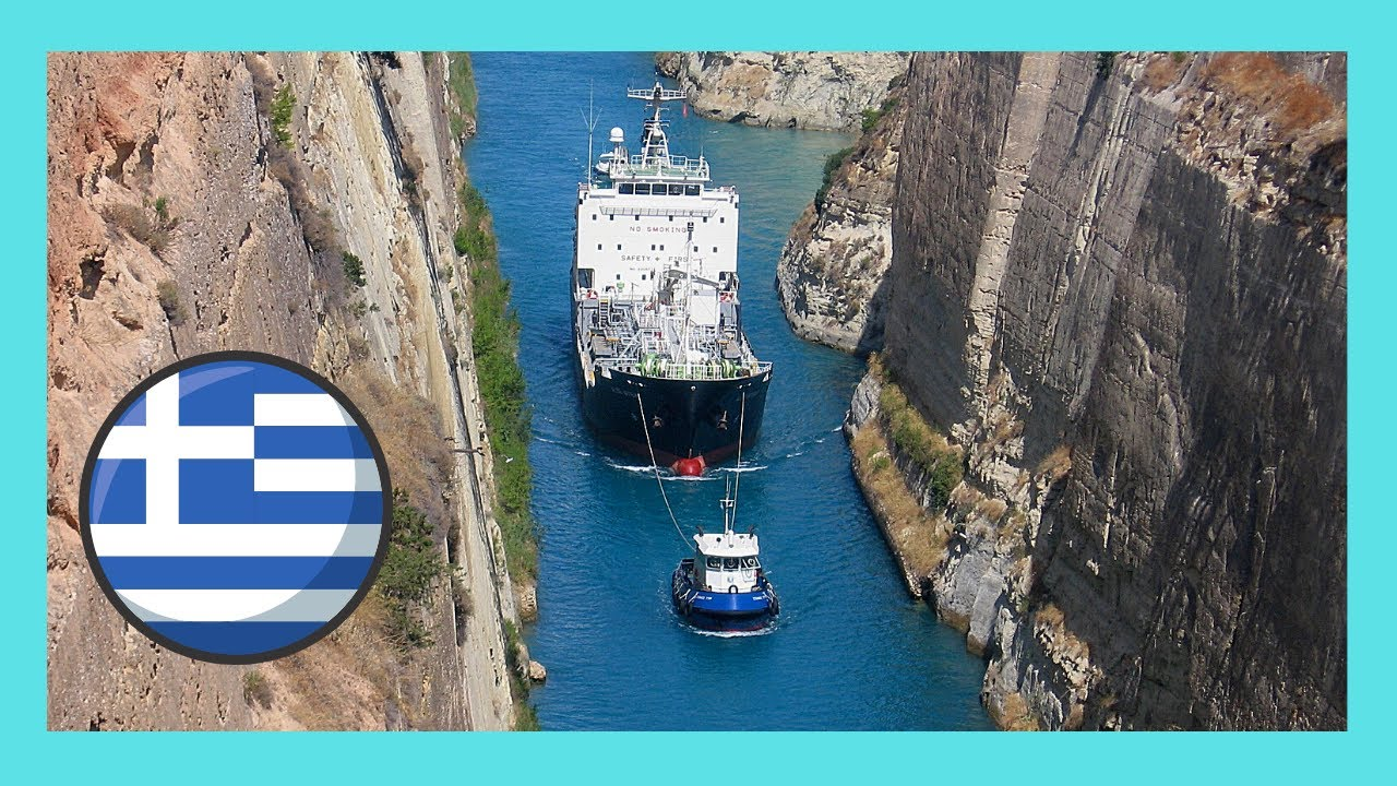 Corinth Canal (GREECE): A ship passing through the Corinth ...