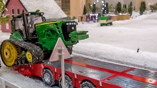 RC tractor John Deere transported by a Scania R/C truck! Siku Control fun!