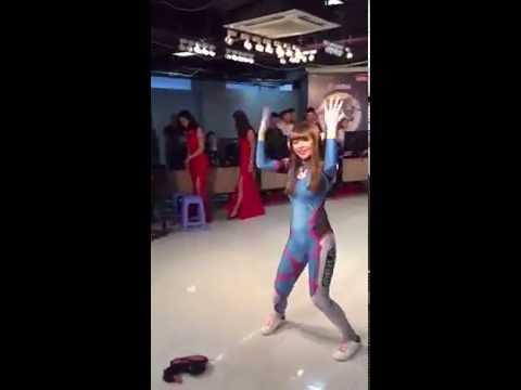 Cosplay - D.Va/Hana Song  Overwatch - Gentleman/PSY Dance
