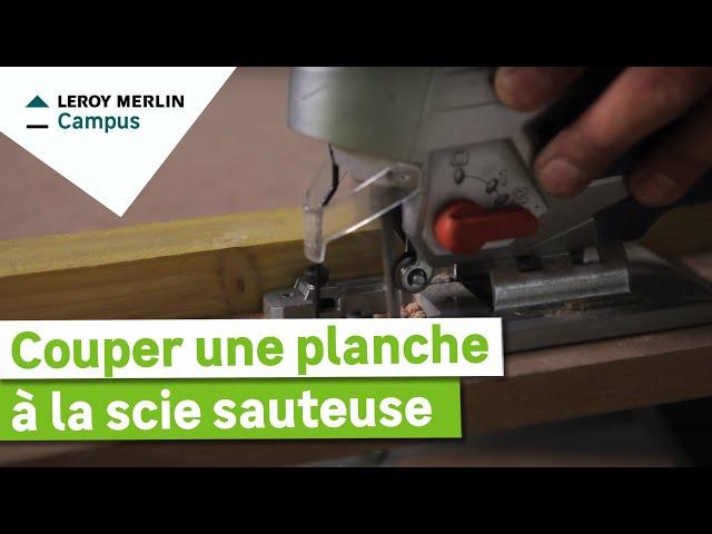 Couper Une Planche à La Scie Sauteuse