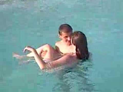 dans la piscine  YouTube