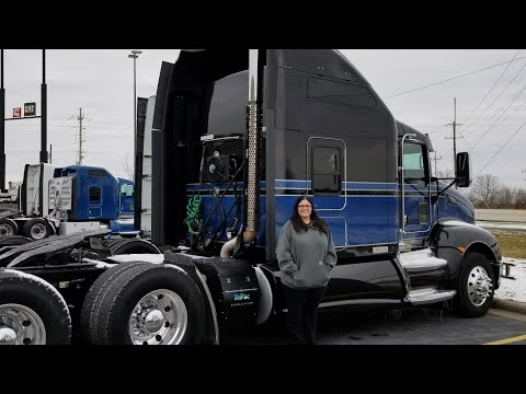 New truck for Christmas | Trucking with Selena vlog #30