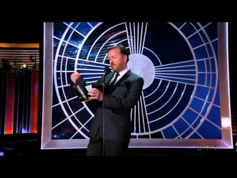 Ricky Gervais presents the Emmy Award to Sarah Silverman 2014