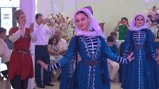 """Открытие свадьбы кумыкским танцем """"Аксай"""""""