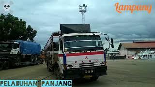 Kumpulan Truck long sasis masuk kapal Pelabuhan Panjang Lampung