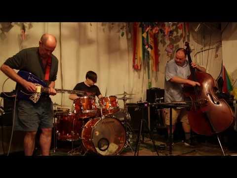 Plane Crash (Henry Kaiser, Damon Smith, Weasel Walter) - at Noise Workshop, Brooklyn - July 14 2017