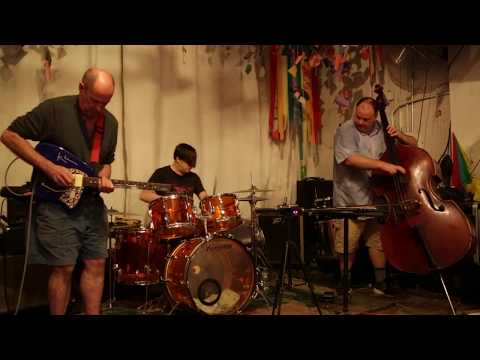 Plane Crash (Henry Kaiser, Damon Smith, Weasel Walter) - at Noise Workshop, Brooklyn - July 14 2017