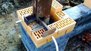 Правильная конструкция кирпичного столба для кованых ворот кладка металл забор