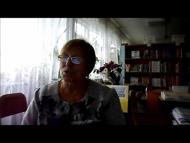 Изображение предпросмотра прочтения – СветланаСмертина читает произведение «Я не боюсь пустого зала...» М.С.Сафиулина