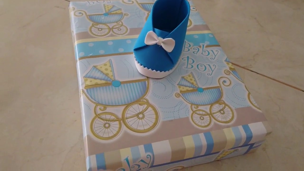 Ideas Originales Para Regalar En Un Baby Shower.Como Envolver Regalo Para Baby Shower Con Zapatito De Foami