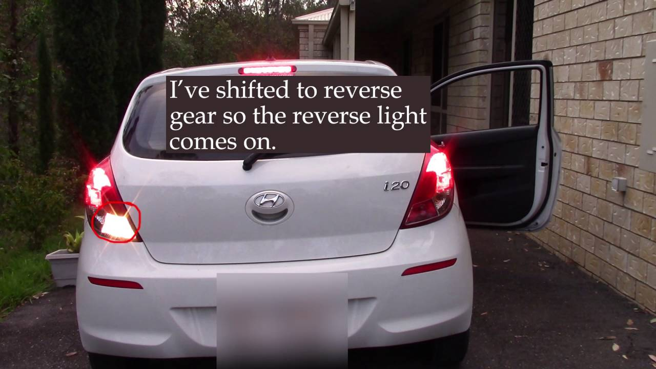 Hyundai i20 right reverse light not working  how to turn on fog light  YouTube