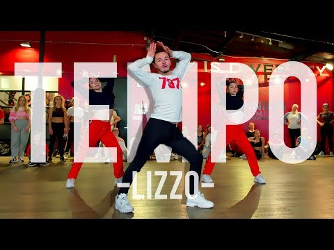 "This Lizzo Dance Video Is So Fierce, We Can't Stop Watching Them ""F*ck It Up to the Tempo"""