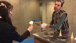 今田美桜 がトルコアイスの人に翻弄されるwww      Turkish Ice Cream 今田美桜 検索動画 25