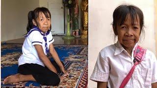 Schoolgirl looks like grandma| CCTV English