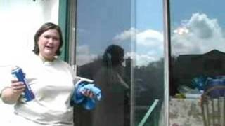 How to Keep Your Home Clean : Cleaning the Windows in your Home