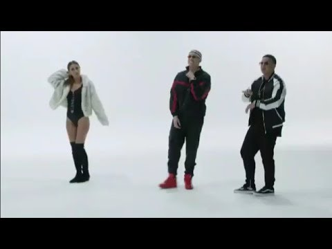 Vuelve - Daddy Yankee & Bad Bunny (Video Oficial de Spotify)
