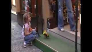 видео кукла-марионетка
