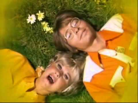 DORIS DAY & John Denver   Sunshine Medley 1975