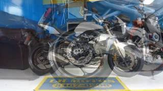 LR Motos - Lavagem de Moto Especializada - Triumph Street Triple 675 Branca - 9432