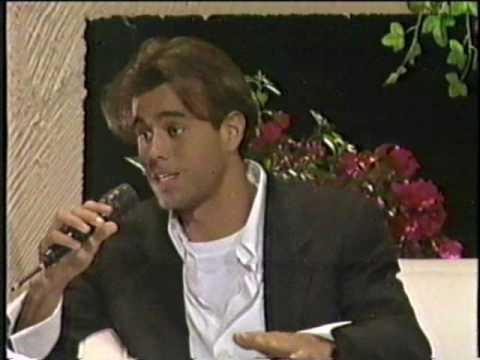 """Daniela Romo entrevista a Enrique Iglesias en su programa """"Hoy con Daniela"""""""