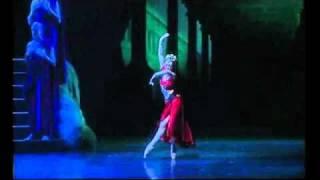 荷蘭國家芭蕾舞團-首席舞者 Maia Makhateli