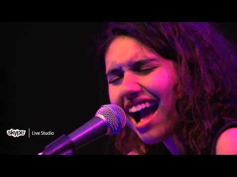 Alessia Cara - Wild Things (LIVE 95.5)