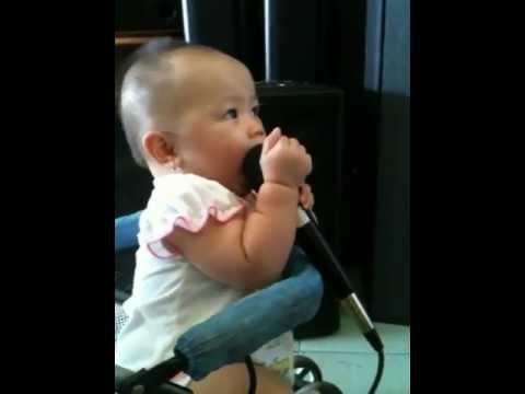 Lâm Tít 9 tháng biết hát
