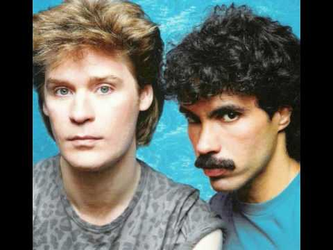 Hall & Oates - Out Of Touch (12