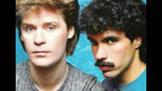 "Hall & Oates - Out Of Touch (12"" Version)"
