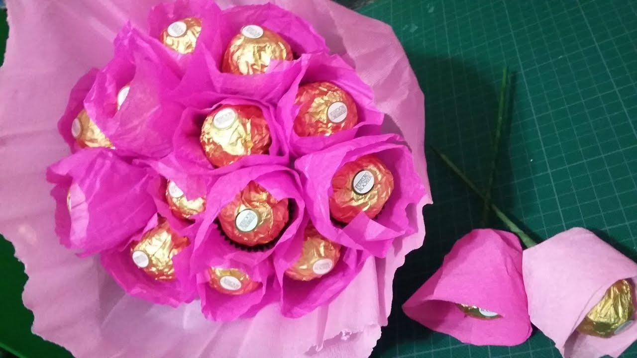 Ramo de flores de papel creepe o papel china con chocolate - Como hacer ramos de flores ...