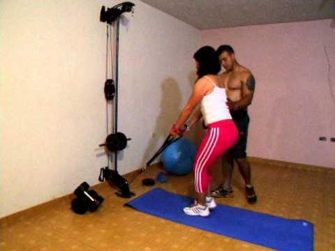 Xs home gym gimnasio casero pierna tijeras youtube for Gimnasio casero