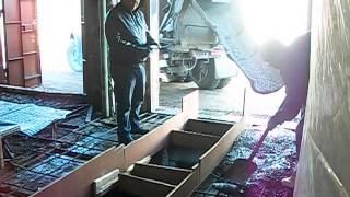 Смотреть видео что делает бетонщик
