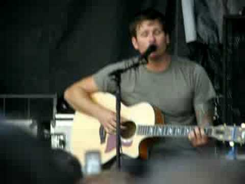 Tom Delonge singing Boxcar Racer - There Is.