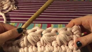 Вязание крючком из трикотажной пряжи. Клатч с цветочным узором