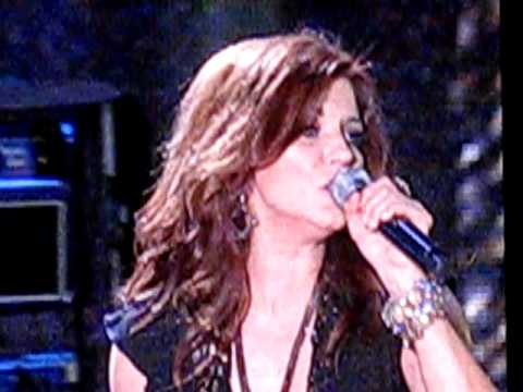 Martina McBride - Anyway - Live from 2009 CMA fest