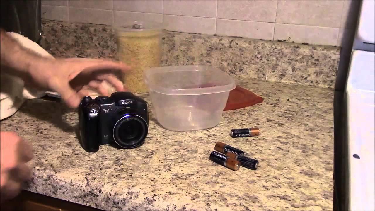 Как починить цифровую камеру после того как на нее попала вода .