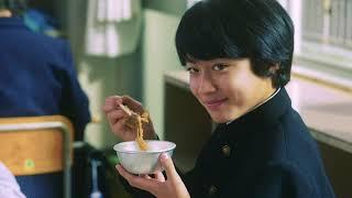1984年。給食マニアの教師・甘利田幸男(市原隼人)に衝撃が。なんと、学校から給食が無くなるというのだ!!「どちらがよりおいしく給食を食べるか...