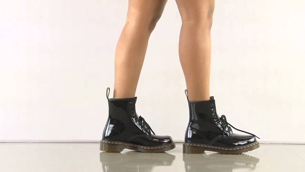 1a4592553f19 1460 W in Black Patent Lamper Dr Martens - YouTube