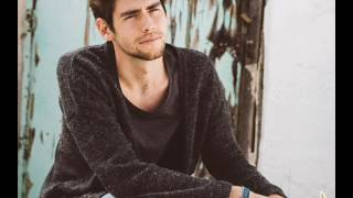 Download Alvaro Soler - Lucía Mp3 and Videos