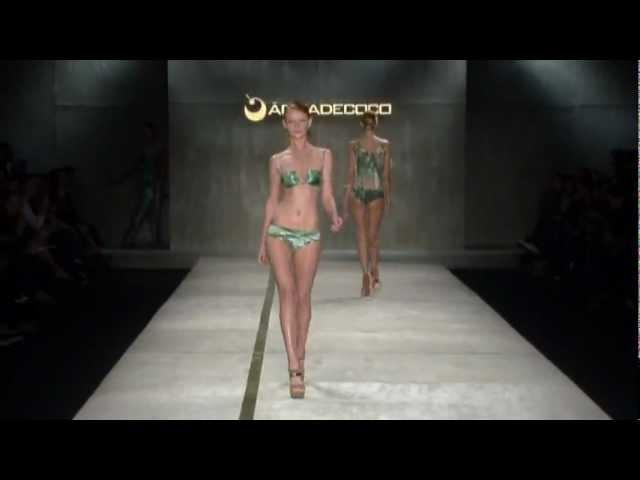 Bikini Badeanzüge Bademoden Show