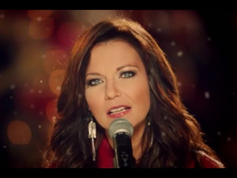 Martina McBride - The Christmas Song - YouTube